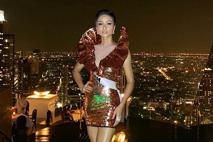 H'Hen Niê được khen vì tuân thủ yêu cầu của ban tổ chức Miss Universe