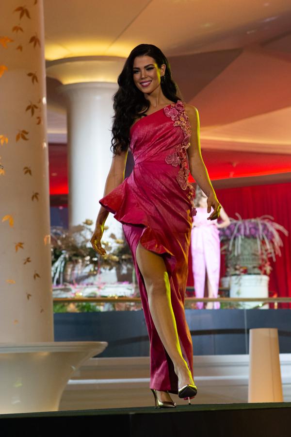 Một người đẹp khác đến từ châu Mỹ, Andrea Diaz của Chile.