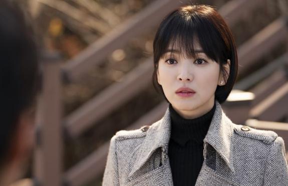 Soo Hyun chịu nhiều áp lực từ gia đình.