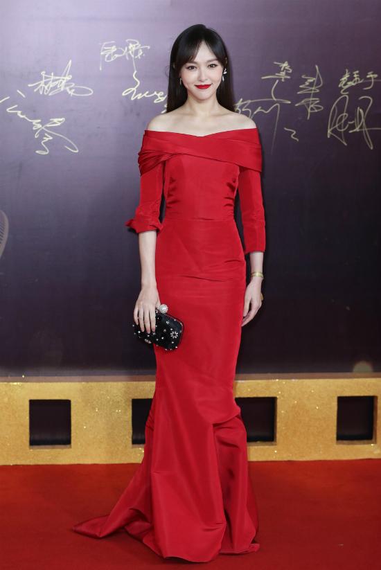 Chương Tử Di tỏa sáng trên thảm đỏ với váy áo rực rỡ - ảnh 9