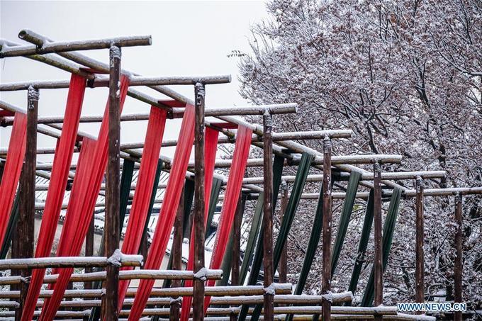 Tuyết đầu mùa ngỡ cảnh tiên ở cổ trấn nghìn năm
