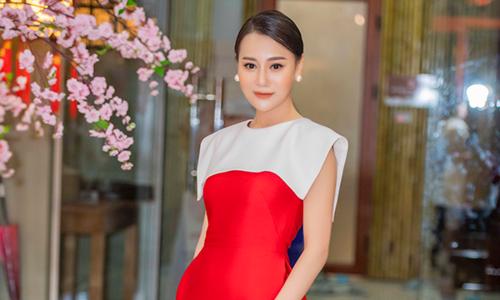 """""""Quỳnh búp bê"""" Phương Oanh sút 5 kg vì liên tục chạy show"""