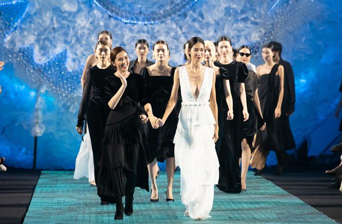 Tối 11/12, Tăng Thanh Hà xuất hiện với vai trò nhà thiết kế tại chương trình Thời trang cho tương lai được tổ chức tại TP HCM.