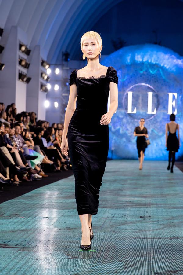 Tập trung khai thác các tông màu đơn sắc, Tăng Thanh Hà khéo léo mang đến nhiều phom váy dễ ứng dụng và không thiếu yếu tố thời thượng.