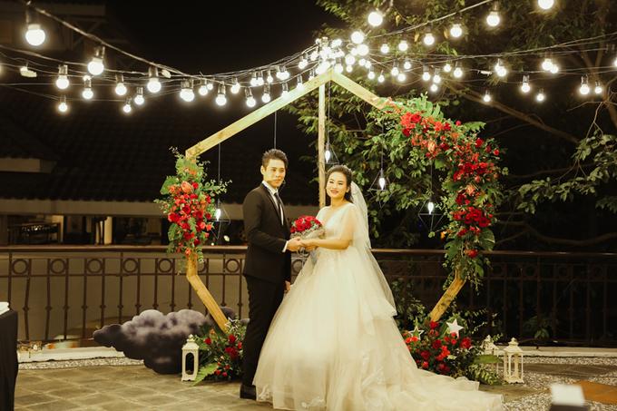 Hôn lễ 300 triệu đồng không dùng hoa tươi làm điểm nhấn trang trí