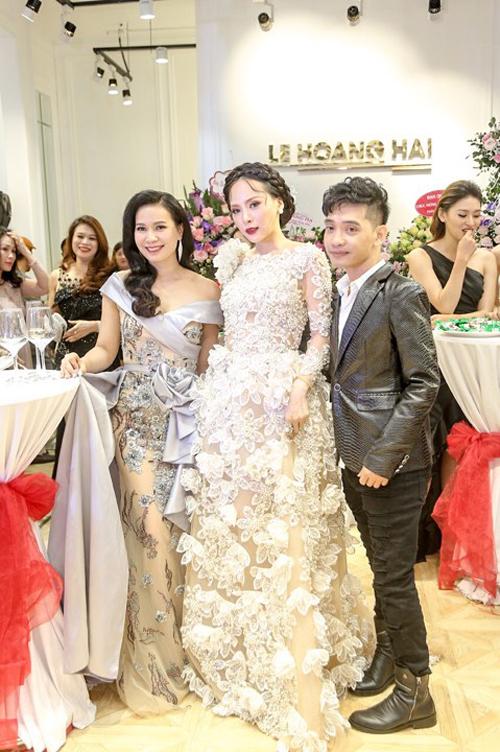 Sau khi đăng quang Á hậu 1 tại cuộc thi Hoa hậu Doanh nhân hoàn vũ 2017, Ngọc Quỳnh tích cựcxây dựng hình ảnh người đẹpthanh lịch.Phong cách thời trang của cô cũng được giới chuyên môn và người hâm mộ đánh giá cao.