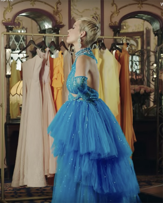 Ngôi sao ca nhạc nổi tiếng thế giới tiếp tục chọn trang phục của Công Trí để thực hiện dự án mới của mình.