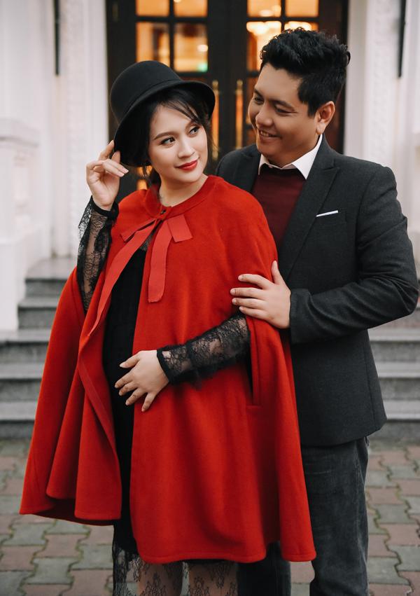 Thanh Thúy dự định sẽ sớm trở lại với công việc sau khi sinh con thứ hai. Vợ chồng cô sắp ra mắt dự án sitcom Gia đình lắm chiêu để chia sẻ những bí quyết, mẹo vặt hữu ích trong cuộc sống.