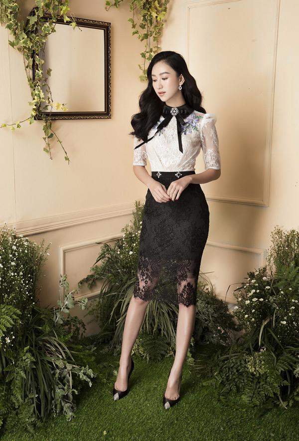 Nhà mốt Việt kết hợp nhiều chất liệu sexy để tạo nên các set đồ vừa trang nhã vừa gợi cảm.
