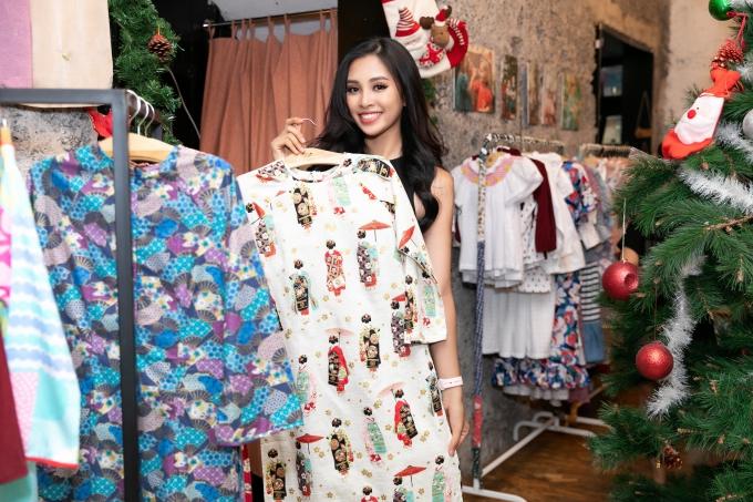 Hoa hậu Tiểu Vy tất bật thử đồ chuẩn bị diễn vedette - 3