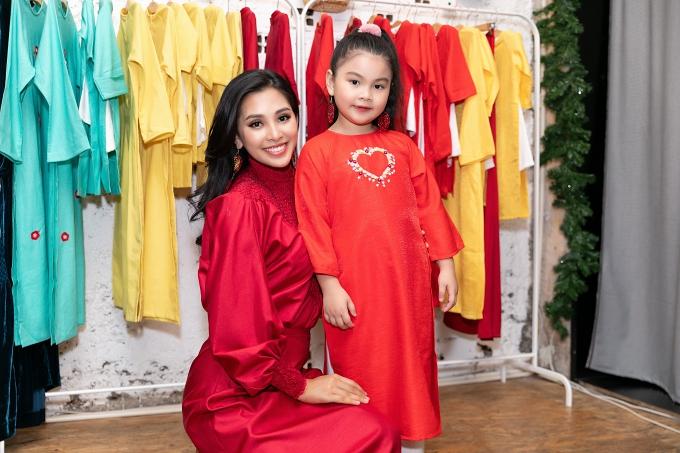 Hoa hậu Tiểu Vy tất bật thử đồ chuẩn bị diễn vedette - 6