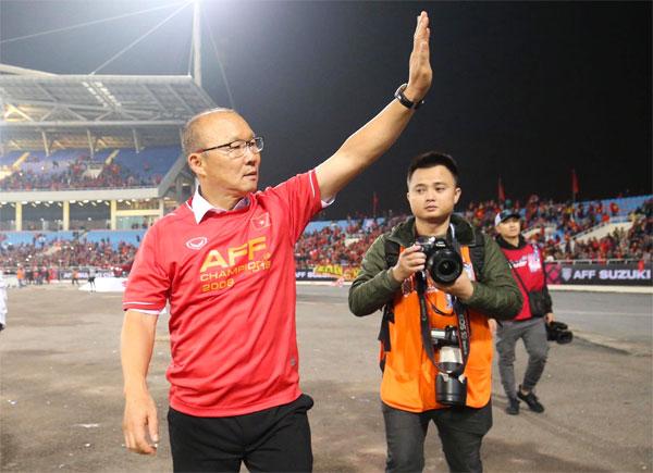 HLV Park Hang-seo mang đến điều thần kỳ cho bóng đá Việt Nam.