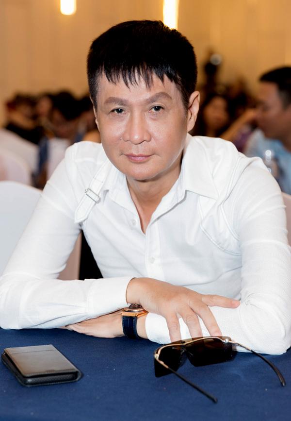 Đạo diễn Lê Hoàng được mời tham gia buổi tọa đàm Quyền năng sắc đẹp, bàn về lợi ích của việc phụ nữ giữ gìn, chăm sóc nhan sắc.