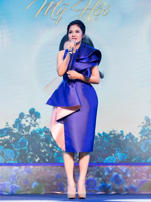 Việt Trinh chia sẻ bí quyết làm đẹp của chị là sống cân bằng, ăn uống lành mạnh, khoa học.