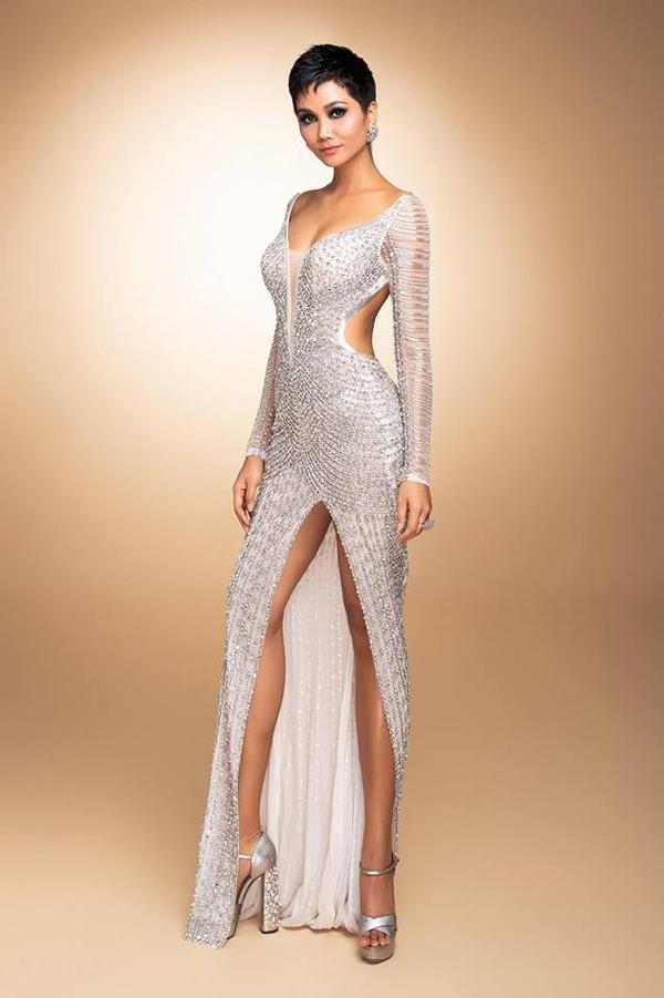 Váy đính 3000 viên đá quý của HHen Niê tại chung kết Miss Universe - 3