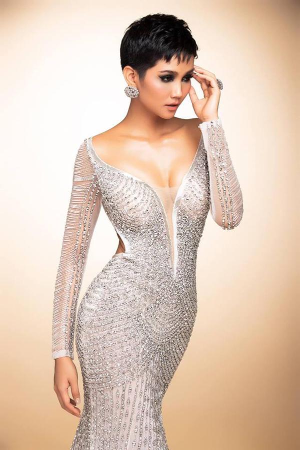 Váy đính 3000 viên đá quý của HHen Niê tại chung kết Miss Universe - 4