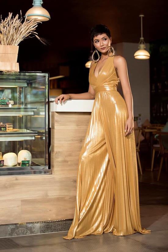 Những bộ cánh giúp HHen Niê tỏa sáng tại Miss Universe 2018 - 7