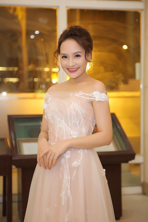 Diễn viên Bảo Thanh cũng là một trong những người cầm cân nảy mực của đêm chung kết.