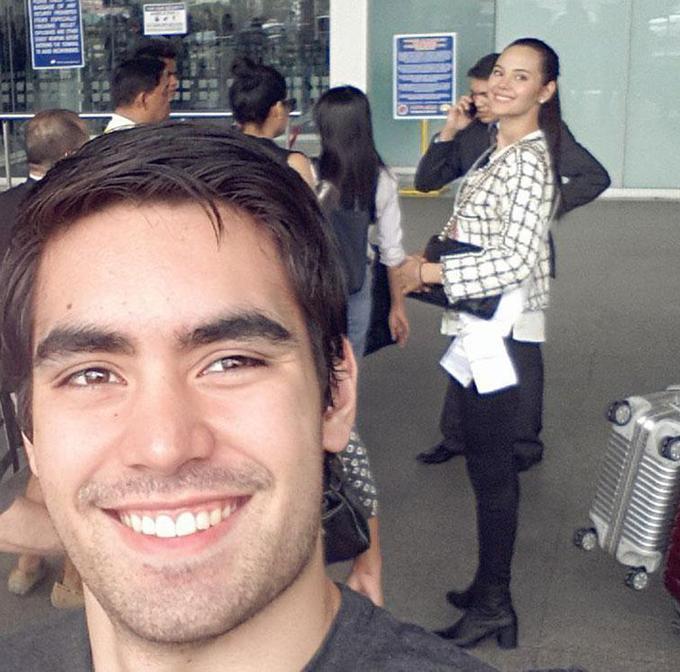 Bạn trai gốc Đức chia sẻ hình ảnh tới sân bay đồng hành cùng Catriona sang Trung Quốc thi Miss World vào tháng 12/2016. Anh gọi cô là nữ hoàng của tôi và nhận mình là một fan lớn nhất.