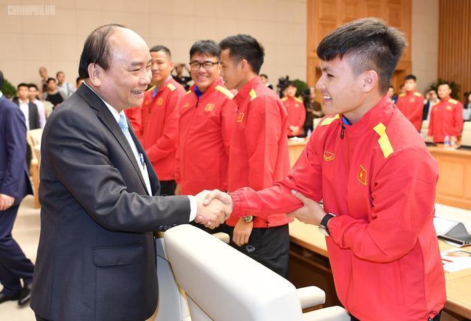 Quang Hải, Đặng Văn Lâm nhận huân chương lao động