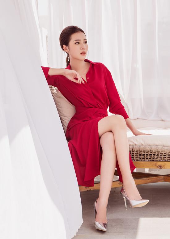 Bộ ảnh được thực hiện với sự hỗ trợ của nhiếp ảnh Chang Thùy, trang điểm Duy Văn, stylist Tony Nguyễn.