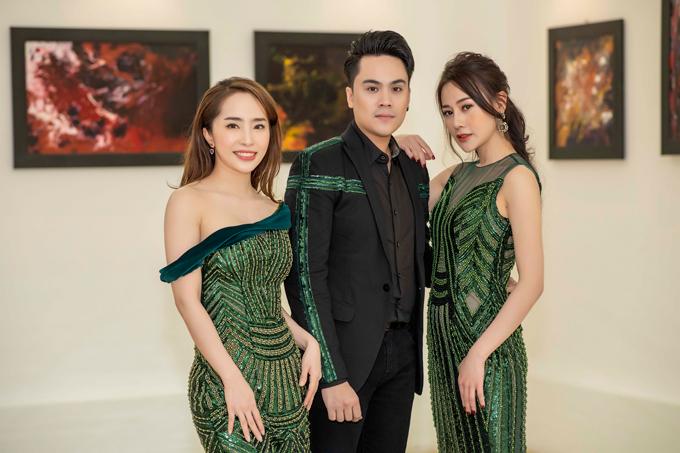 MC Thái Dũng đảm nhận vai trò dẫn dắt chương trình. Anh vui vẻ hội ngộ ca sĩ Quỳnh Nga, diễn viên Phương Oanh.