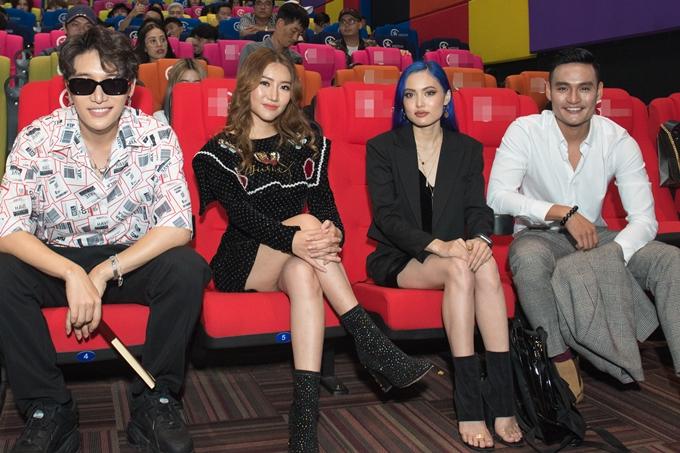 Orange bày tỏ sự tiếc nuối không thể đảm nhận vai diễn nữ chính trong MV vì côchưa có nhiều kinh nghiệm diễn xuất.Nữ ca sĩ cũng tiết lộ cô đầu tư hết 500 triệu đồng cho sản phẩm âm nhạc lần này.