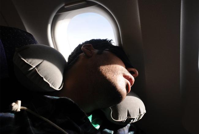 Chỗ ngồi lý tưởng để có giấc ngủ ngon trên máy bay - ảnh 1