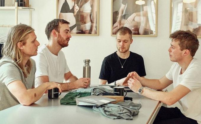 Bốn chàng trai Đan Mạch mới ngoài 20 đứng sau thương hiệu quần lót mặc nhiều tuần liền. Ảnh:Organic Basics.