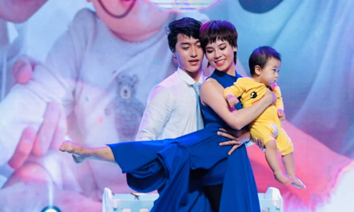 Con trai Xuân Thảo – Đình Lộc lần đầu lên sân khấu đã giúp ba mẹ thành quán quân