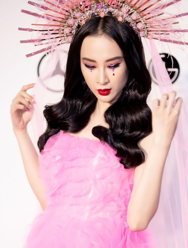 Angela Phương Trinh mất 7 tiếng trang điểm để dự show Đỗ Mạnh Cường - 4