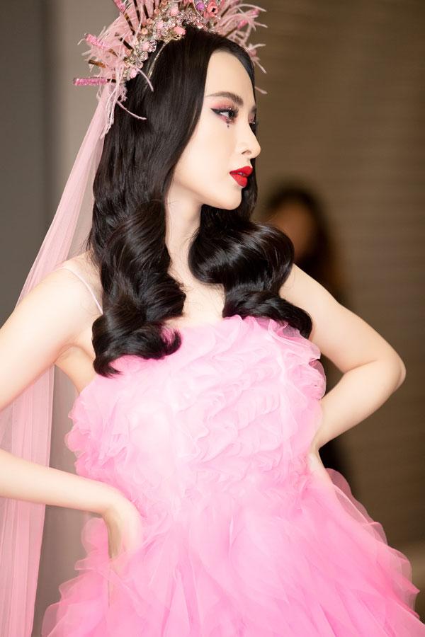 Angela Phương Trinh mất 7 tiếng trang điểm để dự show Đỗ Mạnh Cường - 5