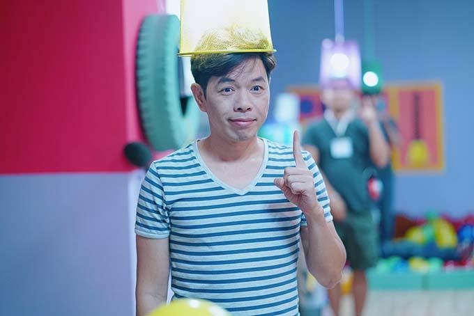 Trong phim Hồn papa, da con gái, trước khi bị hoán đổi thân xác với cô con gái già trước tuổi, Hải (Thái Hòa) là một ông bố tính tình trẻ con, tự do, có phần buông thả. Anh là trưởng nhóm sáng tạo ở một công ty mỹ phẩm.