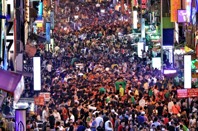 Điểm đón năm mới cho dân Sài Gòn không đi chơi xa - ảnh 1