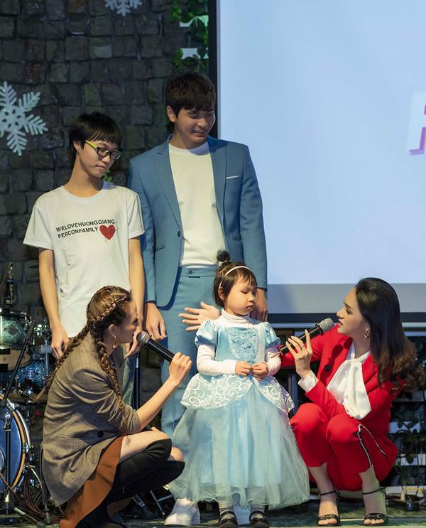 Một năm qua, Hương Giang tích cực hoạt động trong nhiều lĩnh vực từ gameshow, ca hát đến các vấn đề về cộng đồng. Cô cho rằng vương miện Hoa hậu chuyển giới 2018 đã giúp cho sự nghiệp của cô bước sang một trang mới. Công chúng cũng dành cho cô nhiều thiện cảm hơn so với thời điểm cô còn là ca sĩ.