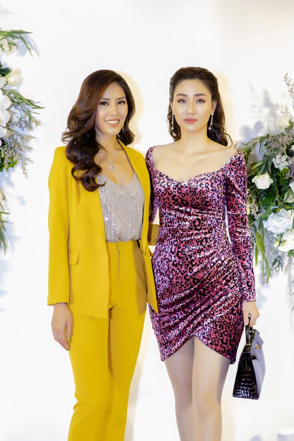 Đỗ Mỹ Linh mặc váy ngắn giữa trời lạnh 9 độ C dự event của Nguyễn Thị Loan - 6