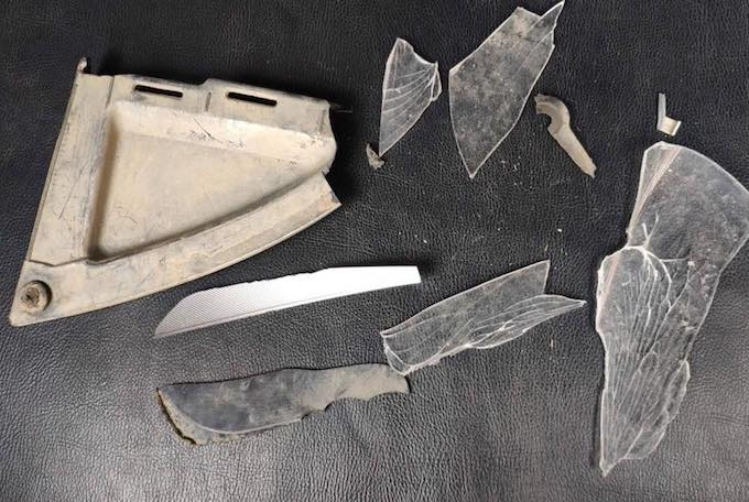 Một số mảnh vỡ của xe ô tô tại hiện trường. Ảnh: Công an cung cấp.