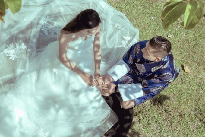 Tháng 10/2018, cặp đôi làm lễ đính hôn và đám cưới của họ là sự kết hợp giữa phong tục truyền thống Trung Quốc, phương Tây và Bhutan. Chúng tôi đã chiến đấu để được ở bên nhau bất chấp mọi trở ngại trên đường đi và sẽ tiếp tục làm như thế. Bởi vì cả hai chúng tôi tin rằng tình yêu là không từ bỏ nhau khi gặp khó khăn, Karen nói.