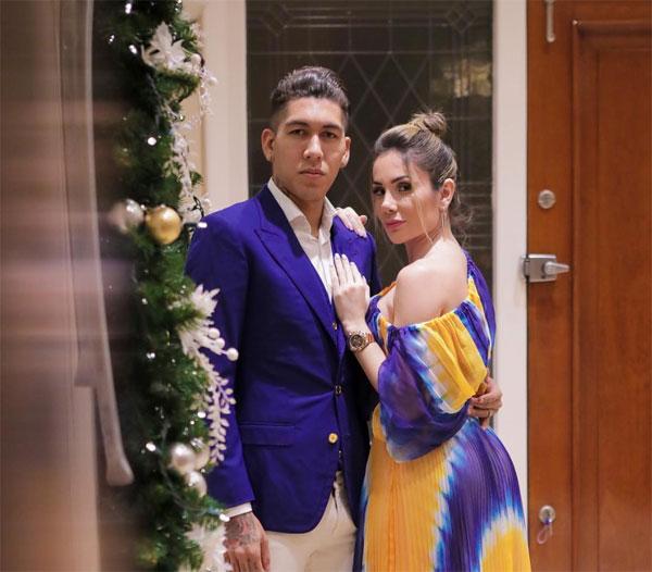 C. Ronaldo và bạn gái khoe thân mừng năm mới - 9