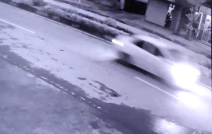 Đặc điểm chiếc xe gây tai nạn được một camera an ninh trên quốc lộ 7A ghi lại. Ảnh: Công an cunng cấp.