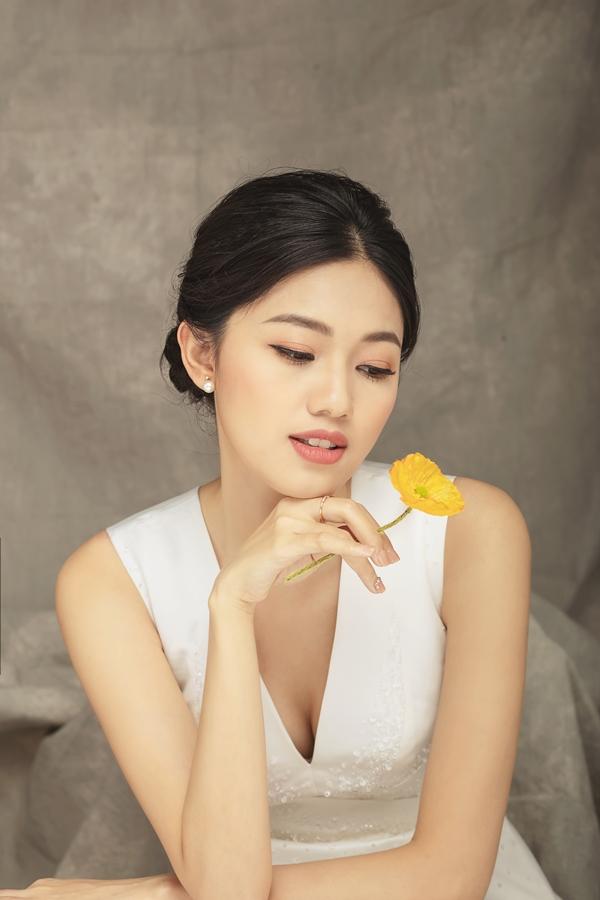 Á hậu Thanh Tú khoe nhan sắc sau khi cưới chồng đại gia - 5