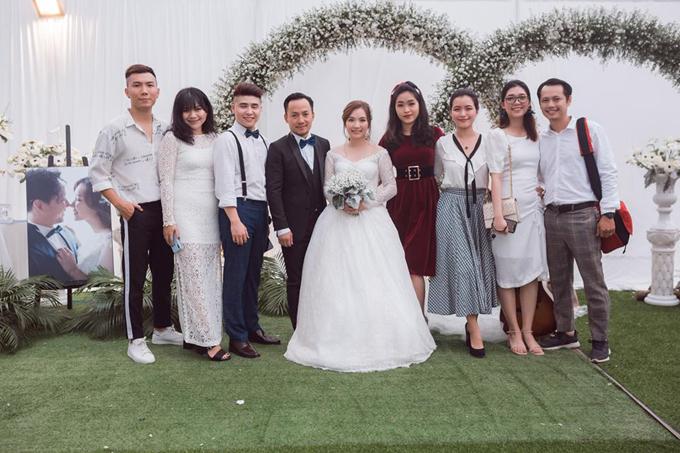 Tiến Đạt lần đầu khoe ảnh hôn lễ tại Bình Thuận - 4