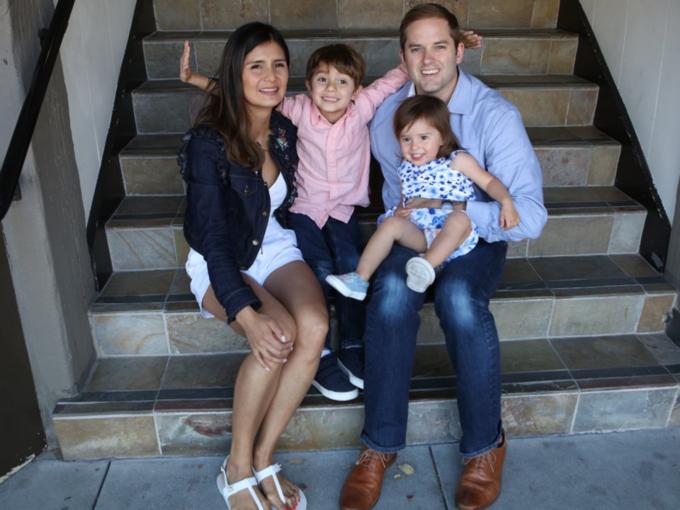 Cô sống tại San Carlos, California với chồng và hai con. Nik và cô đã sinh bé trai Hudson 5 tuổi và bé gái Bela 2 tuổi.