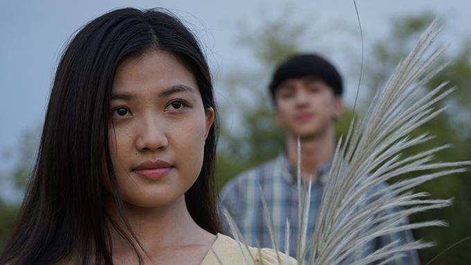 Lương Thanh vào vai Mai - cô út trong căn phòng trọ có 4 chị em. Tính tình hiền lành và chịu khó nên Mai được nhiều quý mến. Tuy nhiên, cô cũng phải đối diện với nhiều khó khăn vì những cạm bẫy rình rập vì bước ra cuộc đời khi còn quá trẻ.