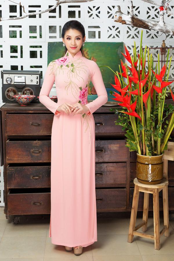 Áo dài tôn dáng cho cô dâu mùa xuân - 6