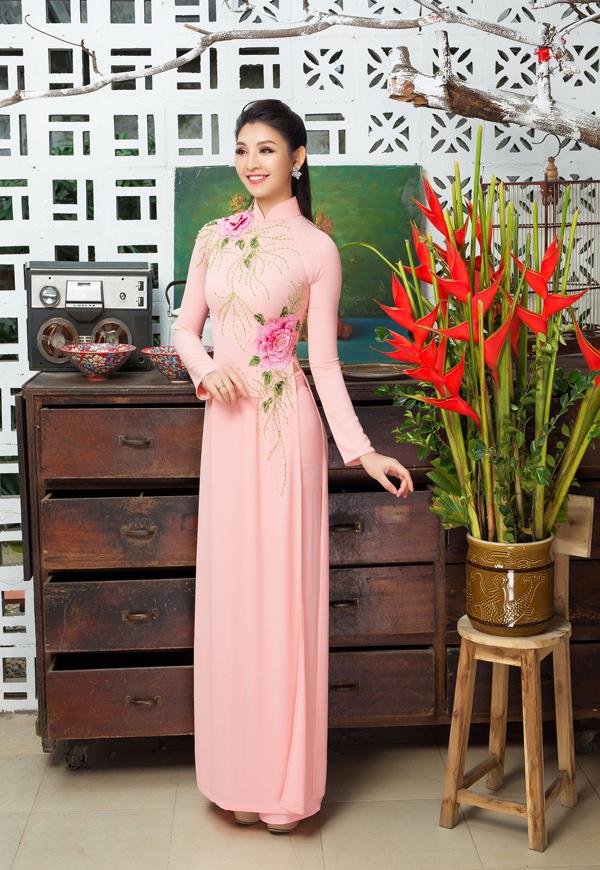 Áo dài tôn dáng cho cô dâu mùa xuân - 7