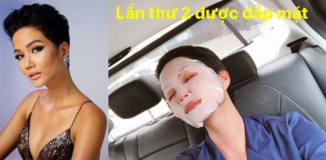 Hoa hậu HHen Niê thư giãn làn da trong lúc di chuyển bằng ô tô.