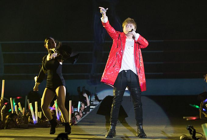 Soobin Hoàng Sơn chinh phục khán giả trẻ bằng phong cách cá tính, vũ đạo điêu luyện trong đêm nhạc công nghệ. Chương trình Luôn lắng nghe, luôn vì bạn tổ chức đêm thứ hai Hà Nội vào ngày 19/1.