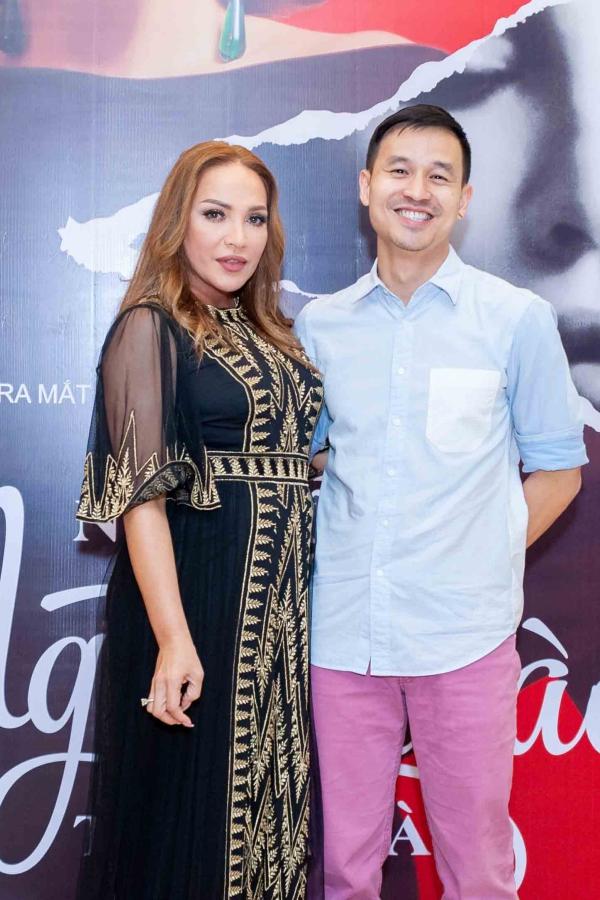 Sơn Đoàn - bạn đời của nhà thiết kế Adrian Anh Tuấn - cũng có mặt ở sự kiện.