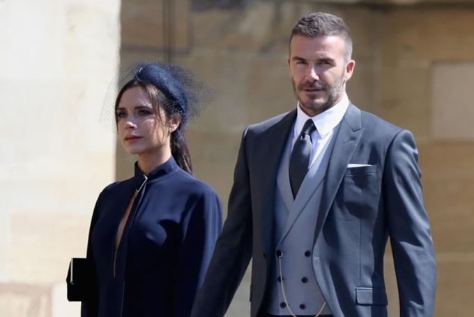 Vợ chồng Beckham cũng dành nhiều thời gian cho các hoạt động từ thiện. Victoria là đại sứ thiện chí quốc tế của UNAIDS, còn David là đại sứ thiện chí của UNICEF trong hơn 10 năm qua.Vợ chồng Beckham thường giao du với những nhân vật nổi tiếng và quyền lực, trong đó có Hoàng gia Anh và các minh tinh, tài tử.
